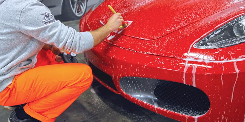Jak prawidłowo i bezpiecznie umyć swój samochód ?