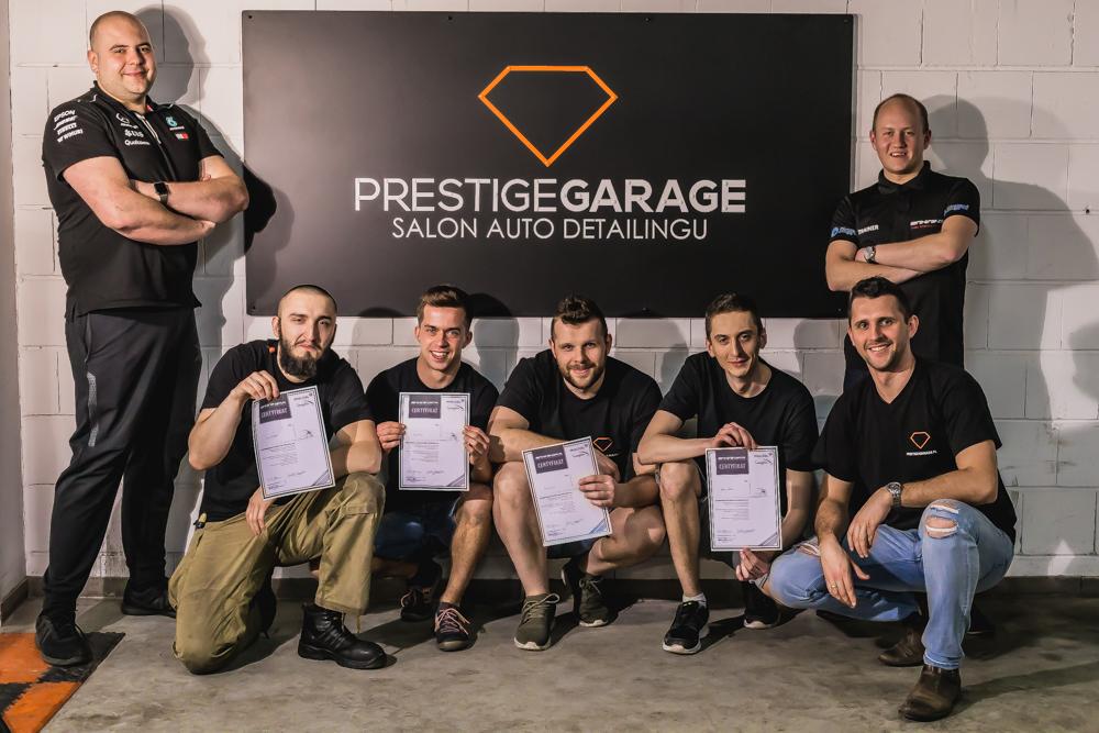 prestige garage - obraz