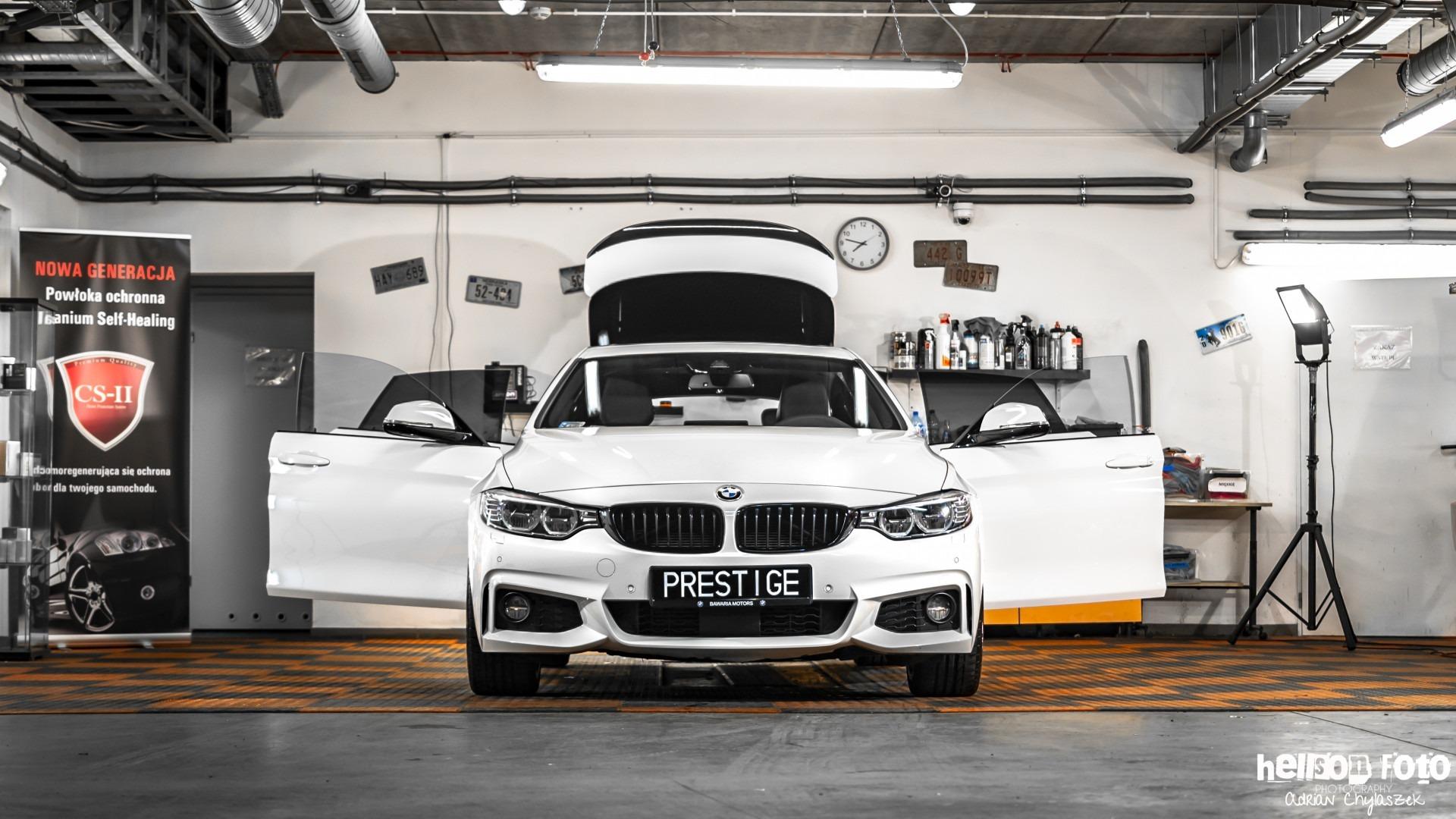 Białe BMW serii 4