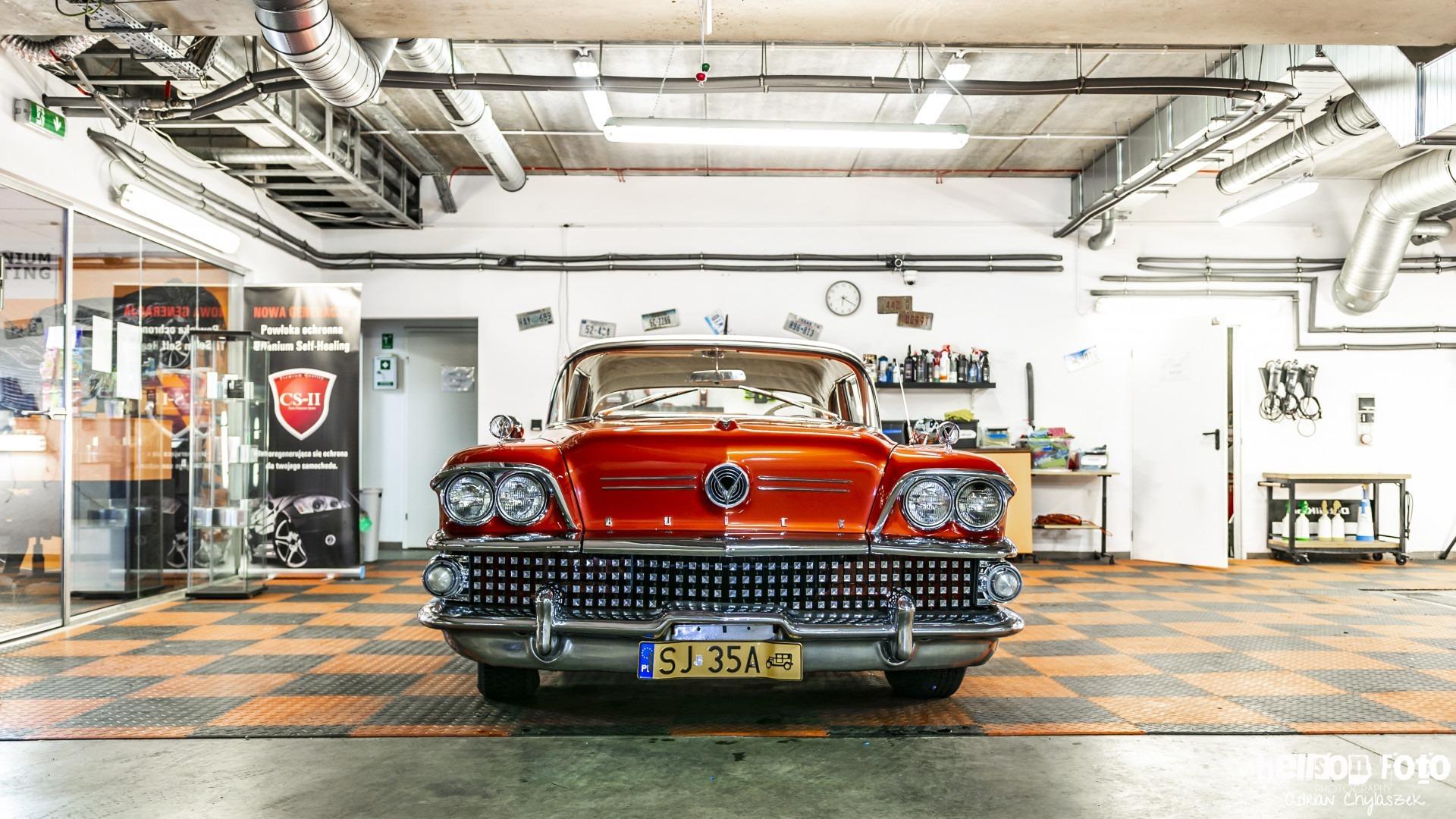 Renowacja zabytkowego samochodu z Prestige Garage