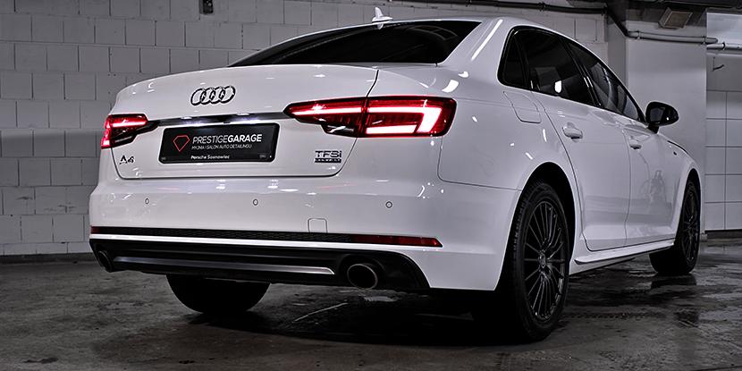 Białe Audi A4 tył