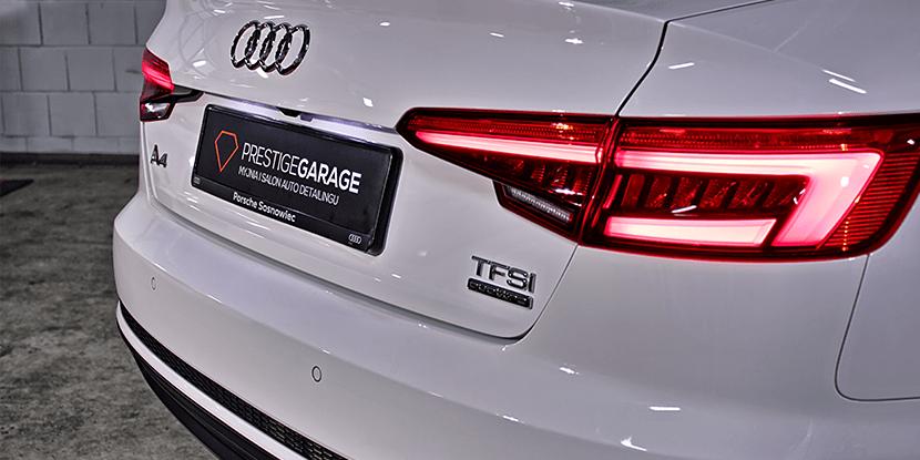 Audi A4 klasyczny biały sedan - tył