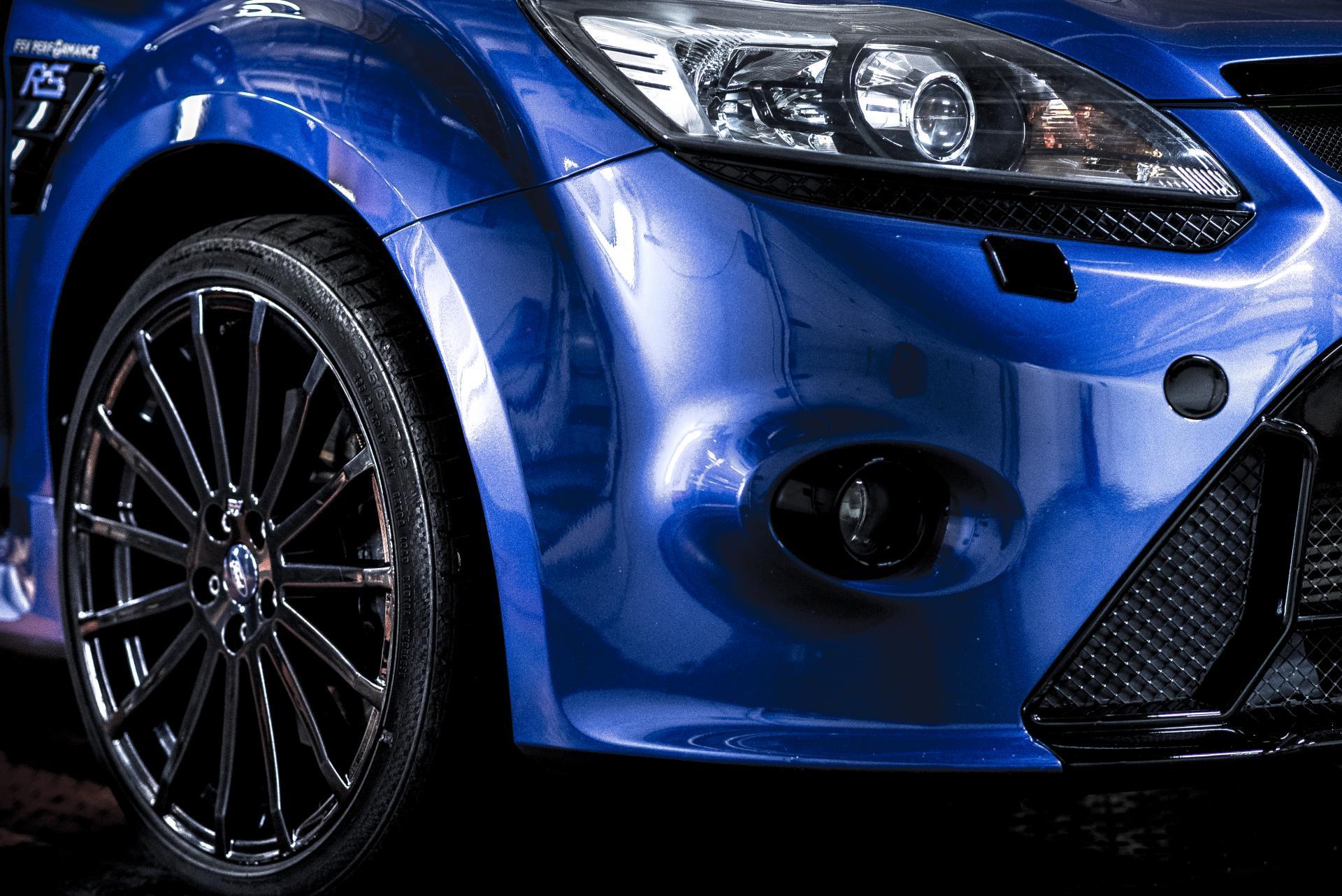 Ford Focus II RS - zadzior zer stanów detal