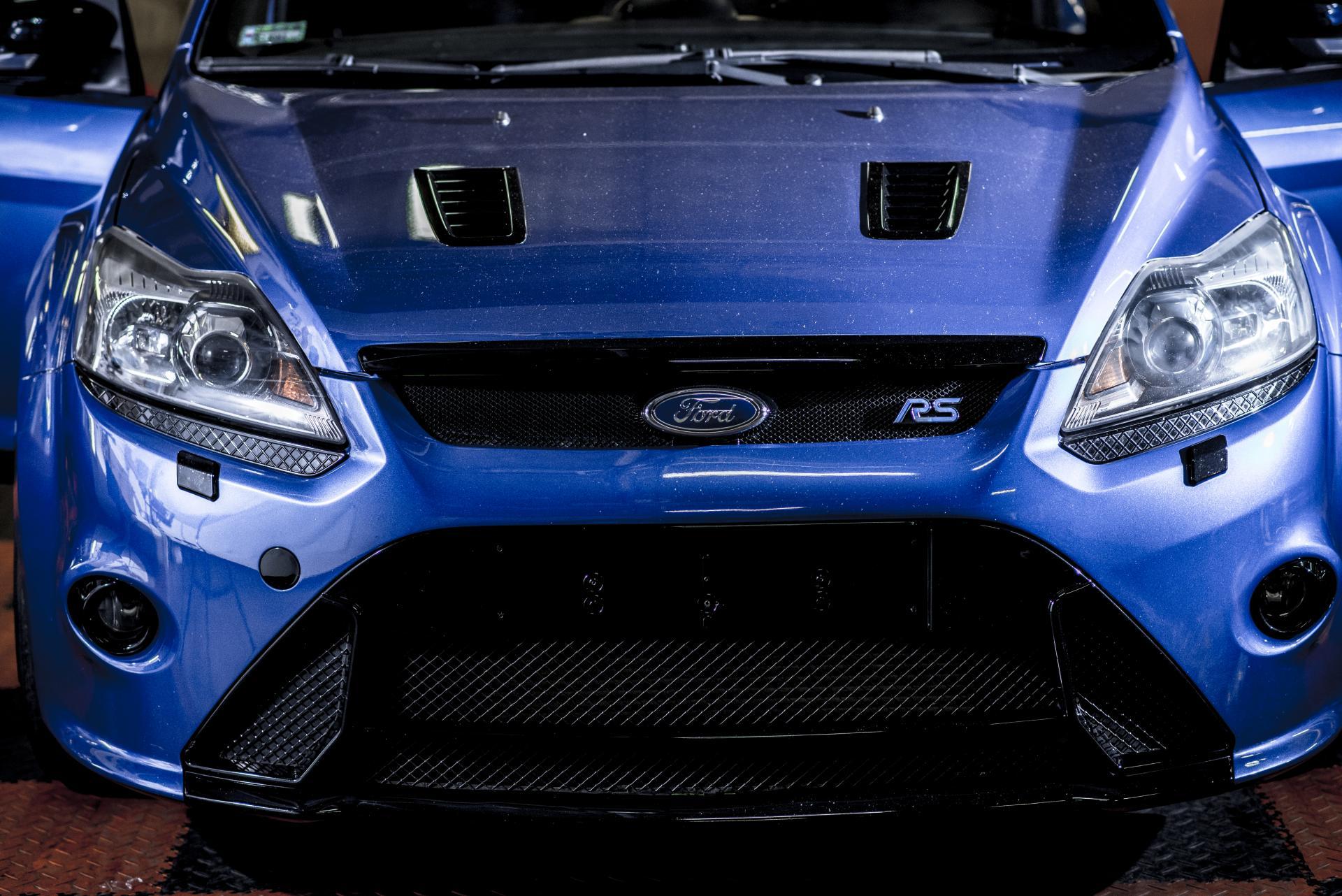 Ford Focus II RS maska