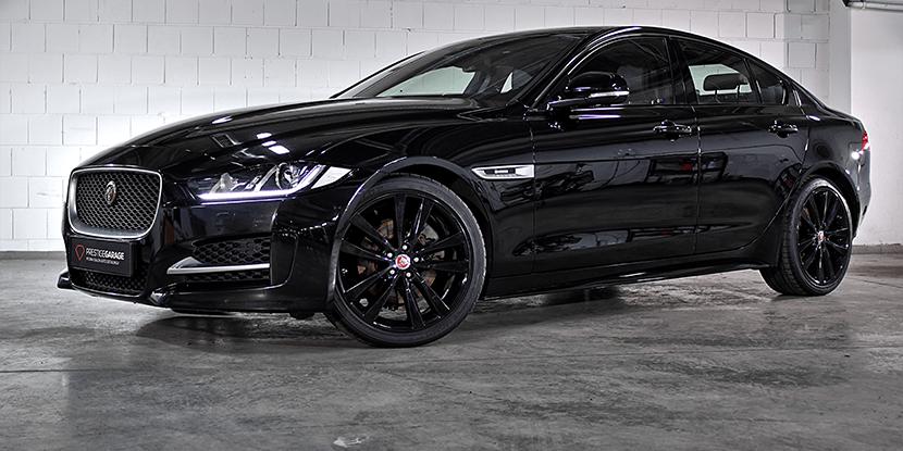 Czarny Jaguar XE - Brytyjski Zabijaka