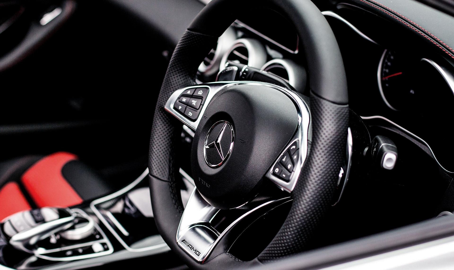 Pakiet Eleganckie wnętrza - mercedes kierownica